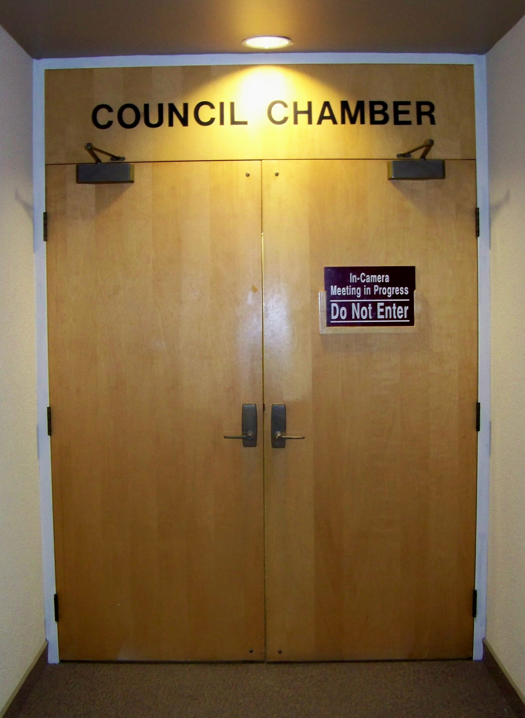 Doors shut. & Niagara Ontariou0027s Regional Council Too Often Shuts Doors In Citizens ...
