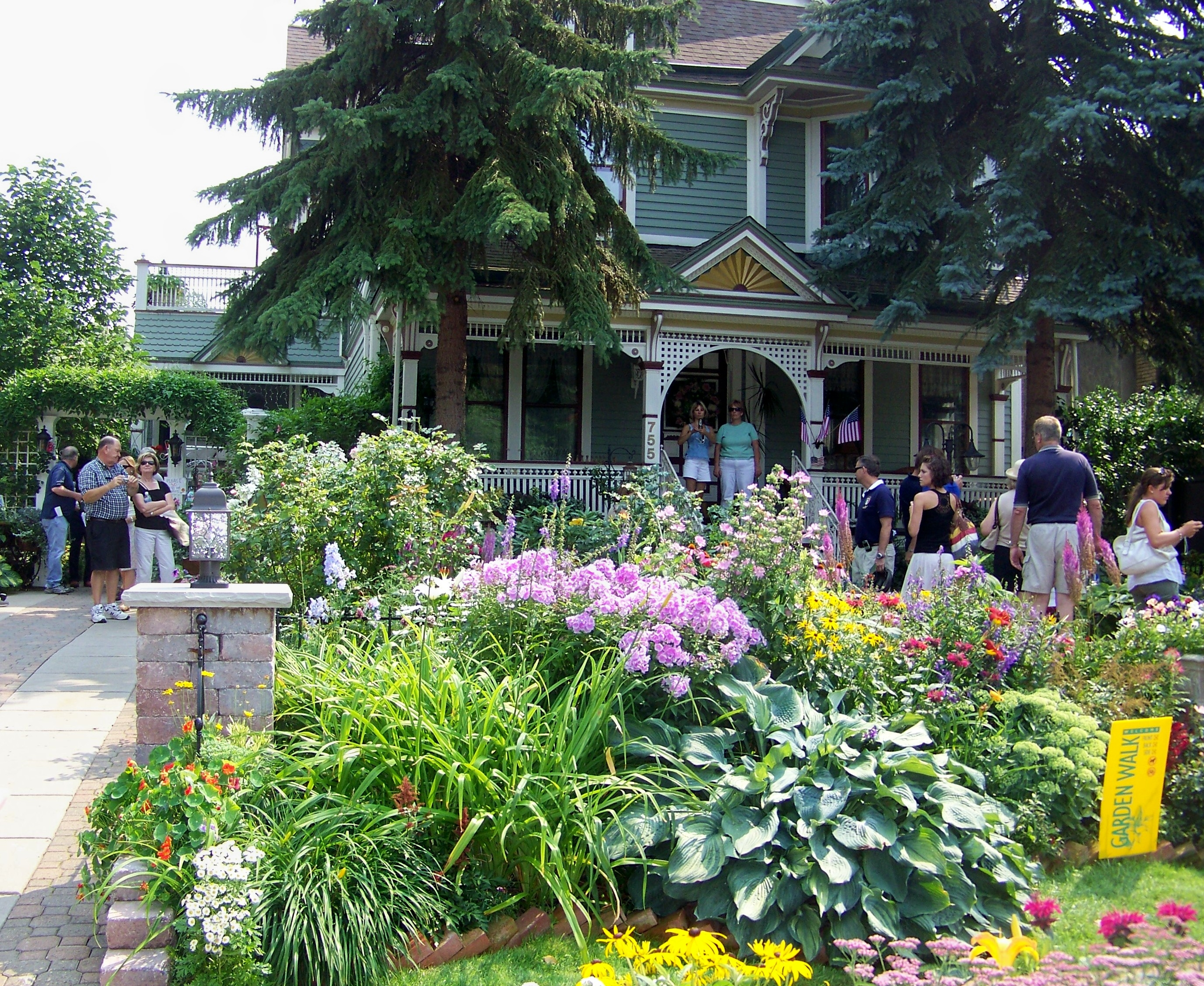 Buffalo Garden Walk: Enjoy One Of The Greater Niagara Region's Finest Summer