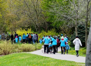 Some of the hundreds who participated in a fundraising walk for Hospice Niagara. Photo courtesy of Hospice Niagara