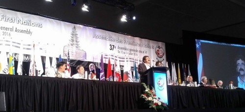 Niagara Falls MPP Wayne Gates addresses First Nations assembly