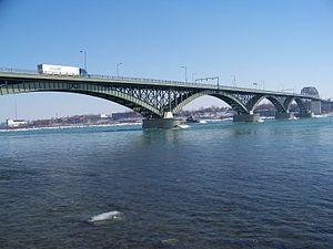 Many are concerned that the Peace Bridge at Niagara, Ontario and Buffalo, New York may soon be used to ship high-grade radioactive waste across the Canada/U.S. border
