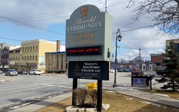 Niagara Centre MPP Protests Closure of Royal Bank Credit